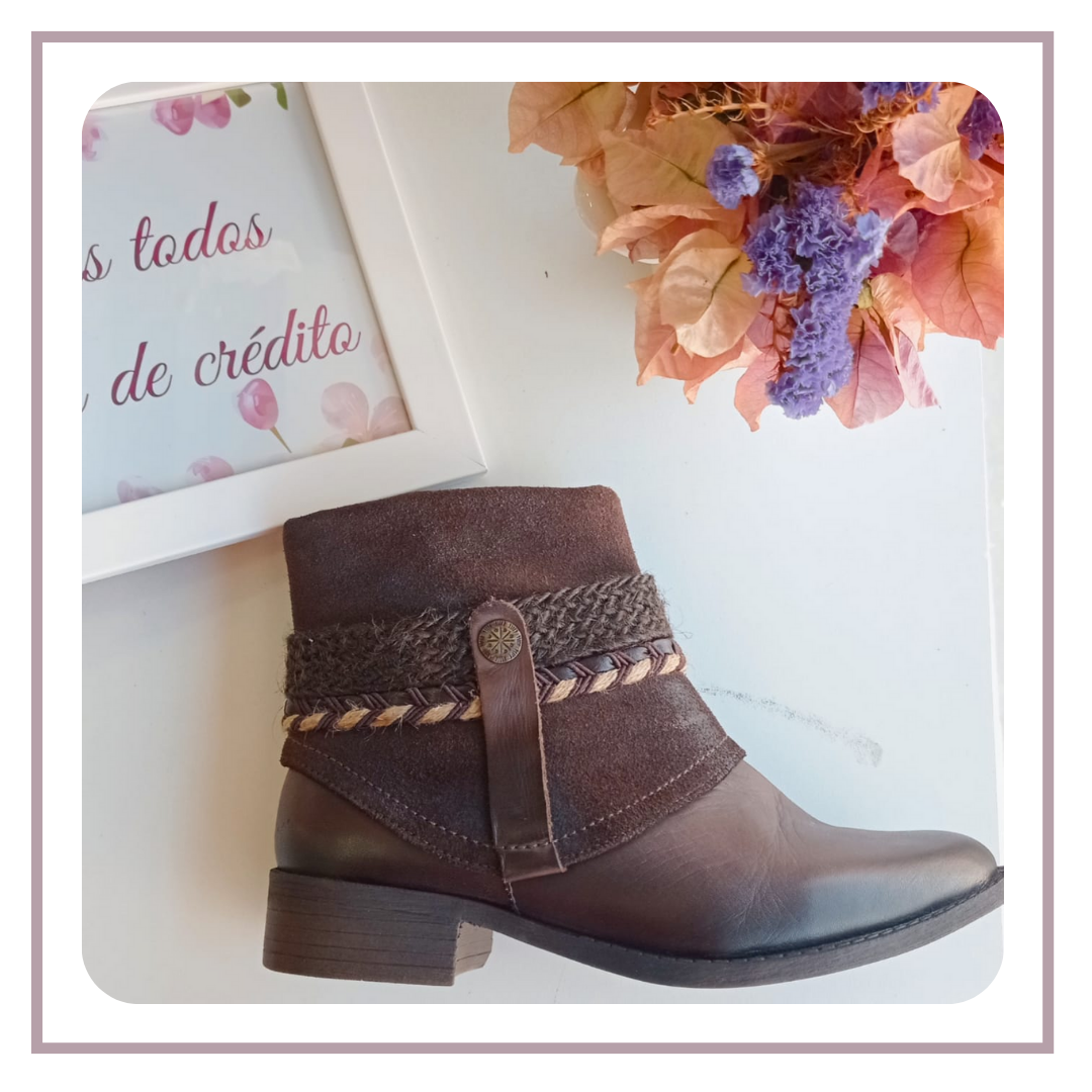 Versátil e muito estilosa, a bota de cano curto garante looks incríveis.