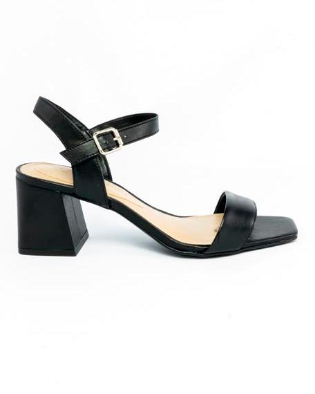 Sandália básica com tiras couro Atanado preto
