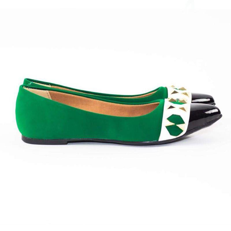 Sapatilha Bico Fino com Rebites Verde