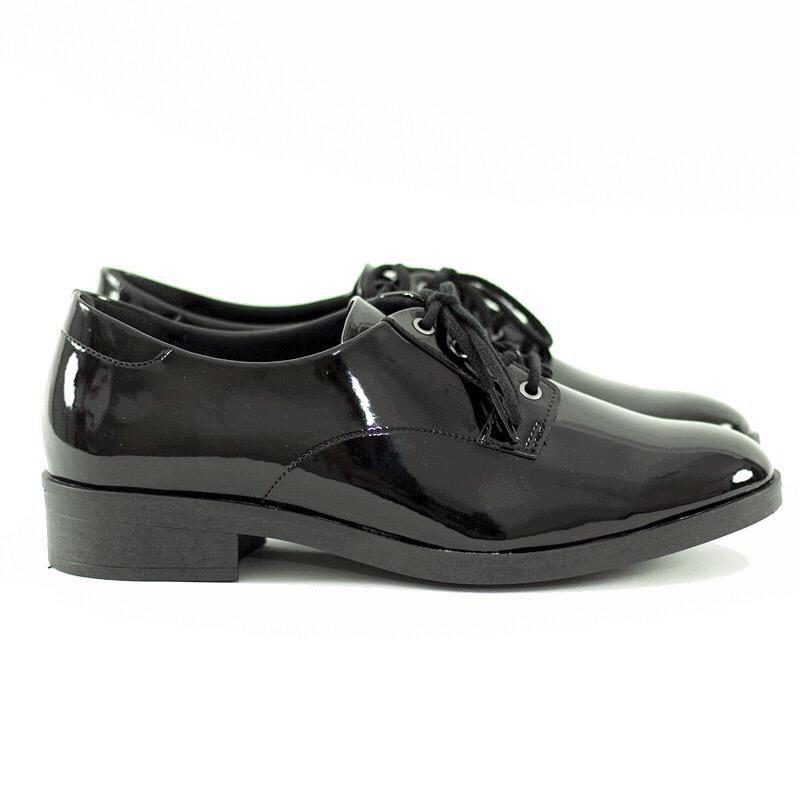 Sapato Oxford Arya Verniz Preto