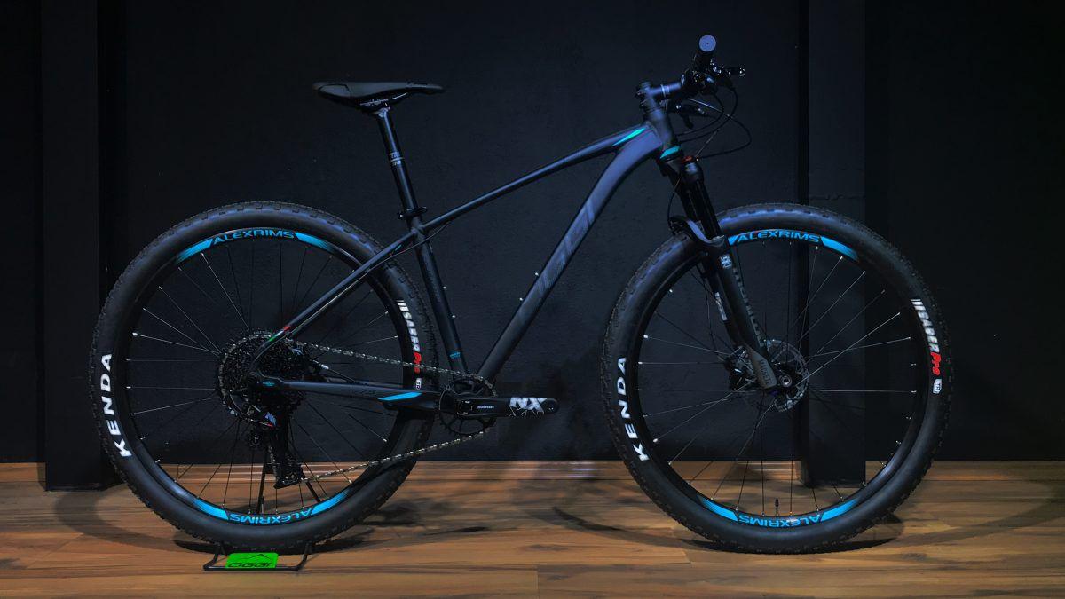 Bicicleta Oggi - Big Wheel 7.5 - 2020 - Preto / Verde / Grafite + Brinde