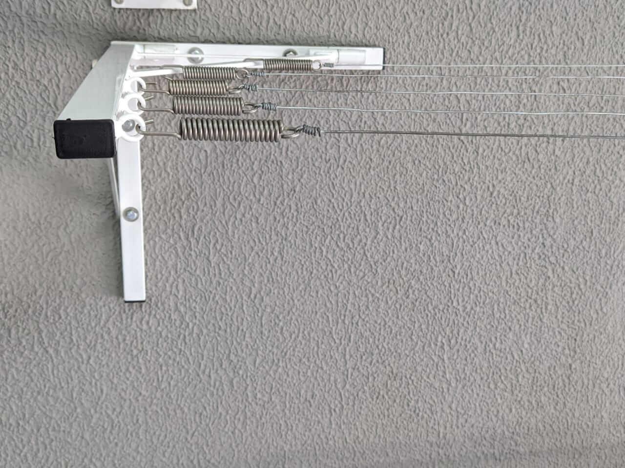 Varal de Muro Mão Francesa Branca - Multivarais