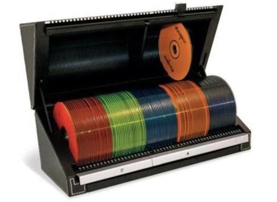 Selector 120 Auto  Acabamento em couro ecológico Ganhe porta CD Discgear Sport Amarelo