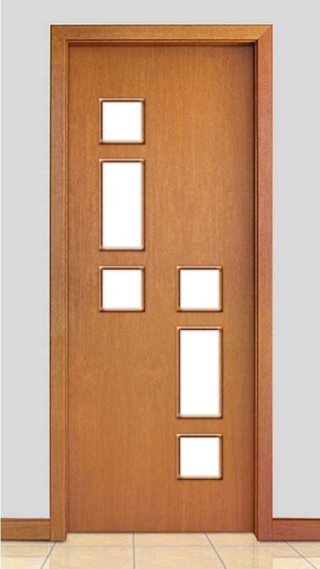 Porta de Madeira com Detalhe Vidro Acabamento Curupixá PTL03