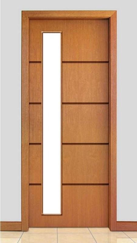 Porta de Madeira Frisada com Detalhe Vidro Acabamento Curupixá PTL46