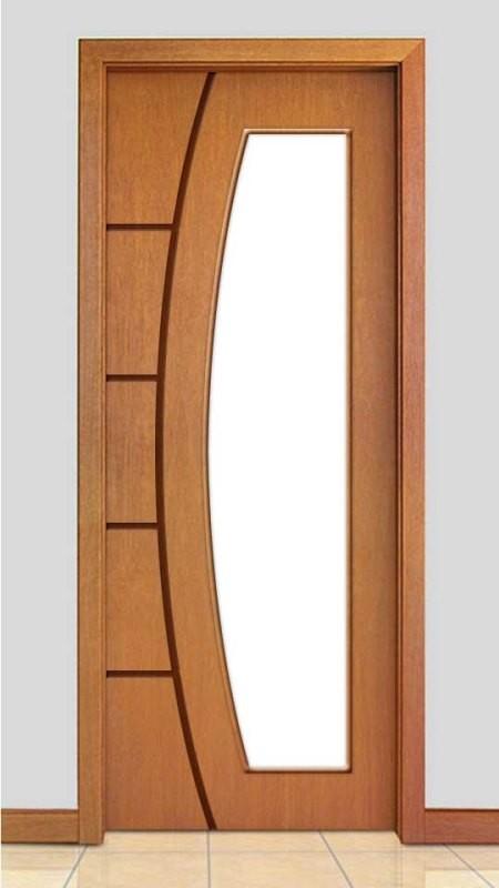 Porta de Madeira Frisada com Detalhe Vidro Curvo Acabamento Curupixá PTL49VD