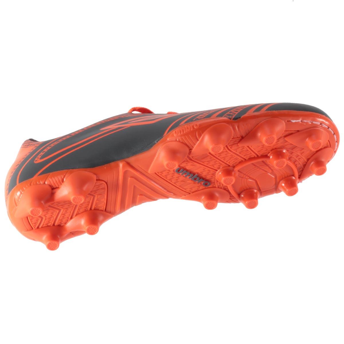 Chuteira Umbro Kicker 3 Campo Masculino 0F70051