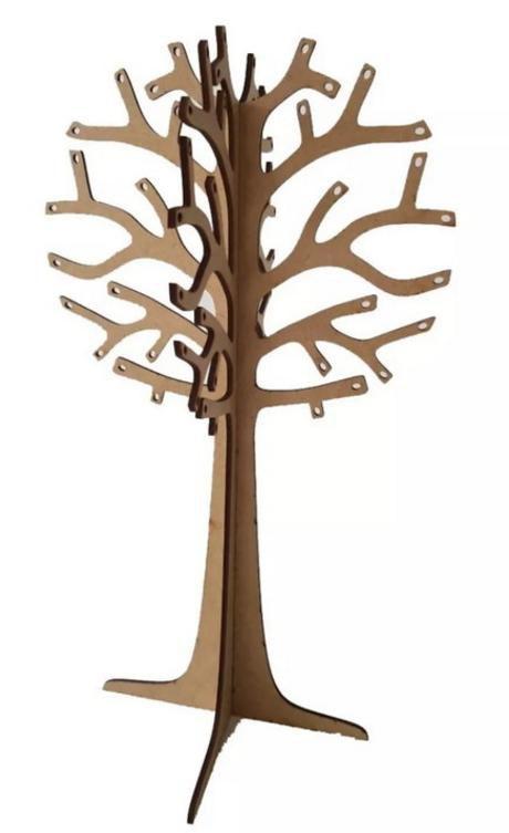 Árvore porta brinco, anéis, pulseiras e correntes em MDF crú.