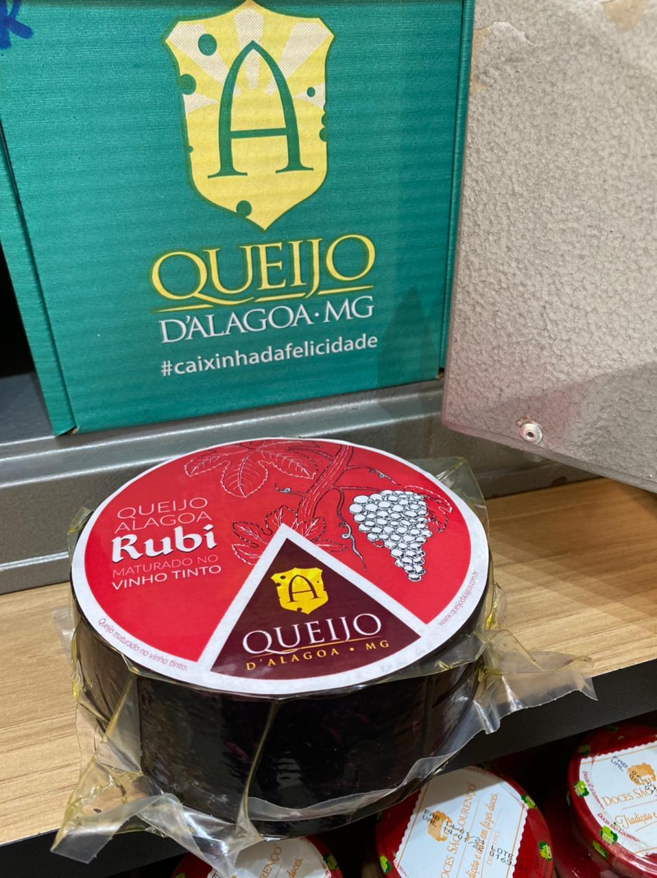 Queijo Alagoa Rubi (Maturado com Vinho Artesanal da Serra da Mantiqueira)