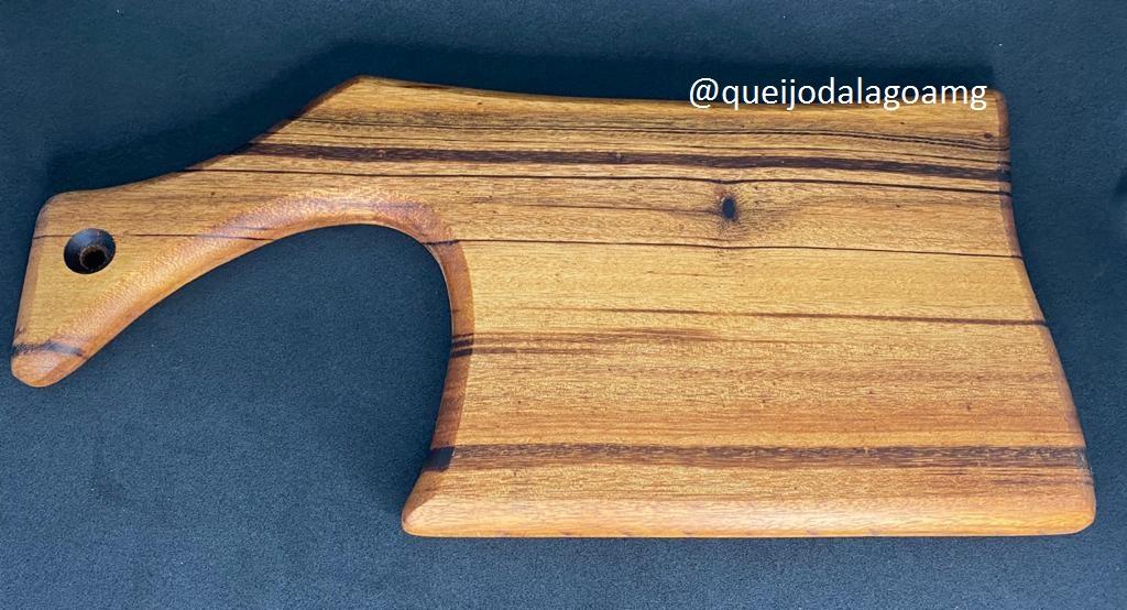 Tábua de Madeira Modelo: Machado