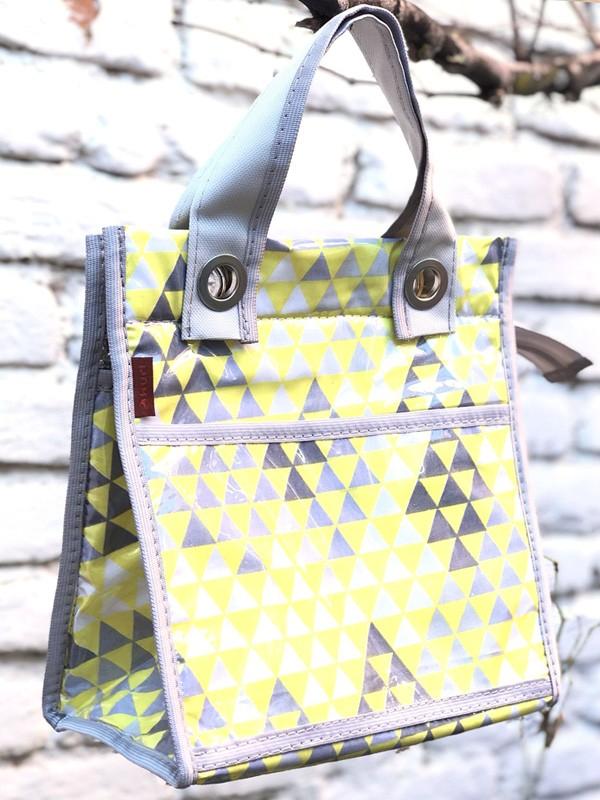 lancheira LILLY | triângulo amarelo