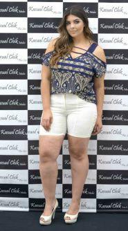 Blusa Ombro Vazado Plus Size Carol