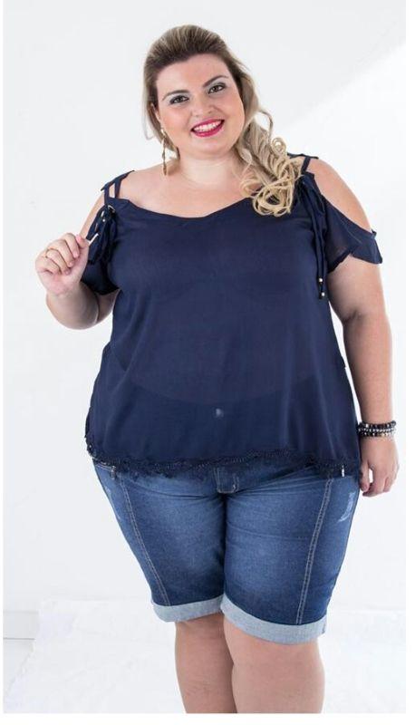 000fe4e62 Blusa Ombro Vazado Plus Size com Ilhos