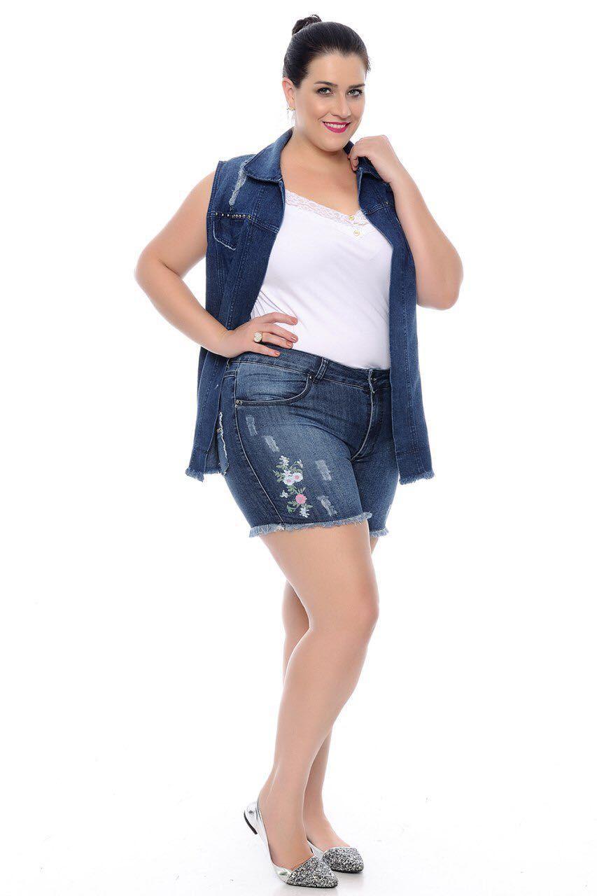 Shorts Jeans Plus Size com Detalhes