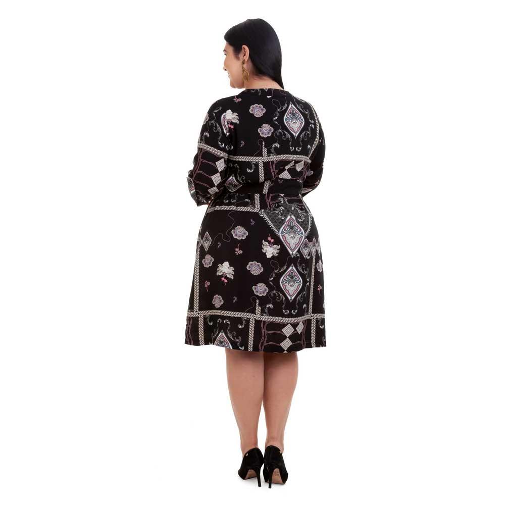Vestido Curto Plus Size Preto Lana