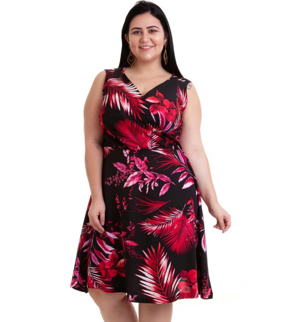 Vestido Plus Size com Estampa de Folhagem