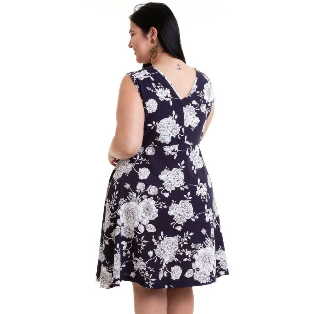 Vestido Plus Size sem Mangas Floral Azul