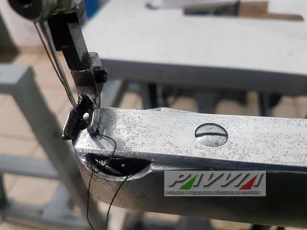 Máquina de costura de conserto sapateiro ADLER 30-7