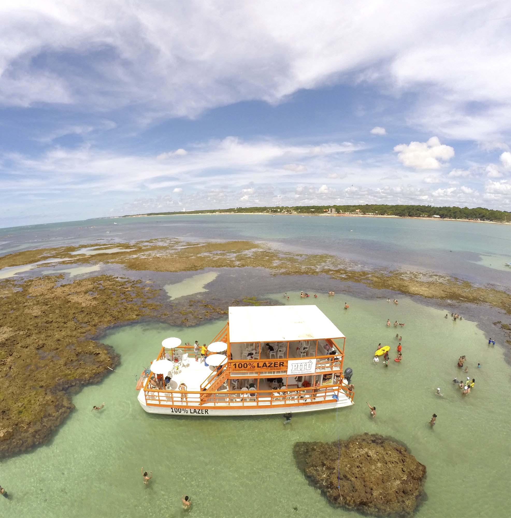 Passeio para Piscinas do Seixas de Catamarã - João Pessoa, PB