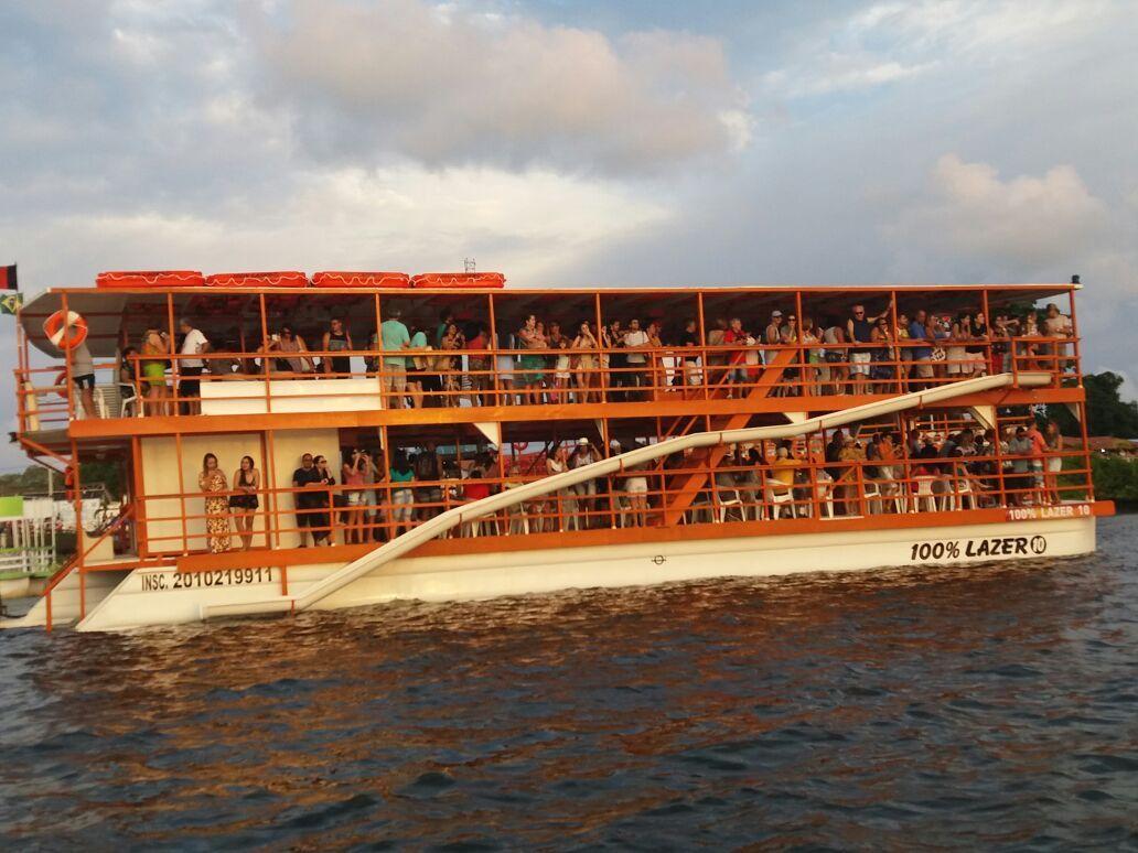 Pôr do Sol no Jacaré com Passeio de Barco e Transfer - Cabedelo, PB