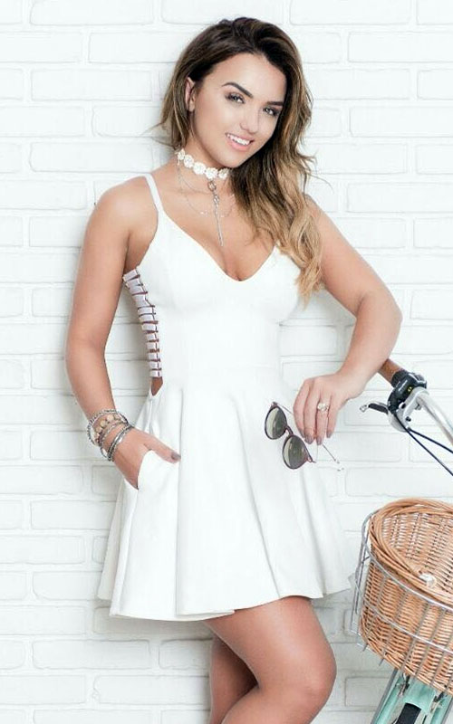 Vestido Liso Decote Alça  Detalhe Lateral