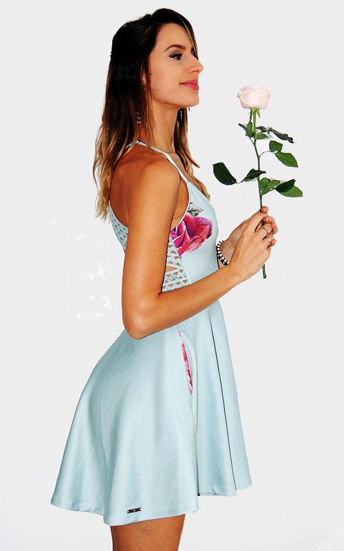 Vestido liso rodado com elástico costa e alça fina