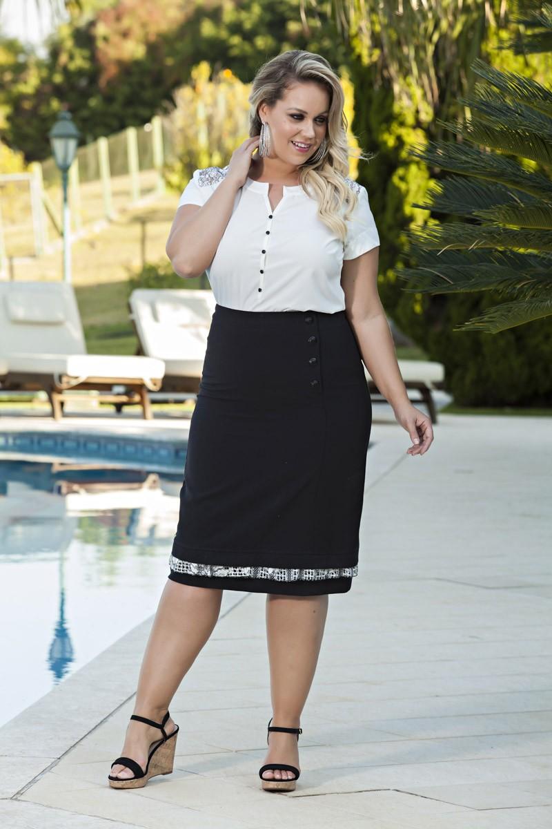 2026- Conj: plus size blusa em modal det. de renda saia em alfaiataria forrada c/ det. botões frente e renda na barra