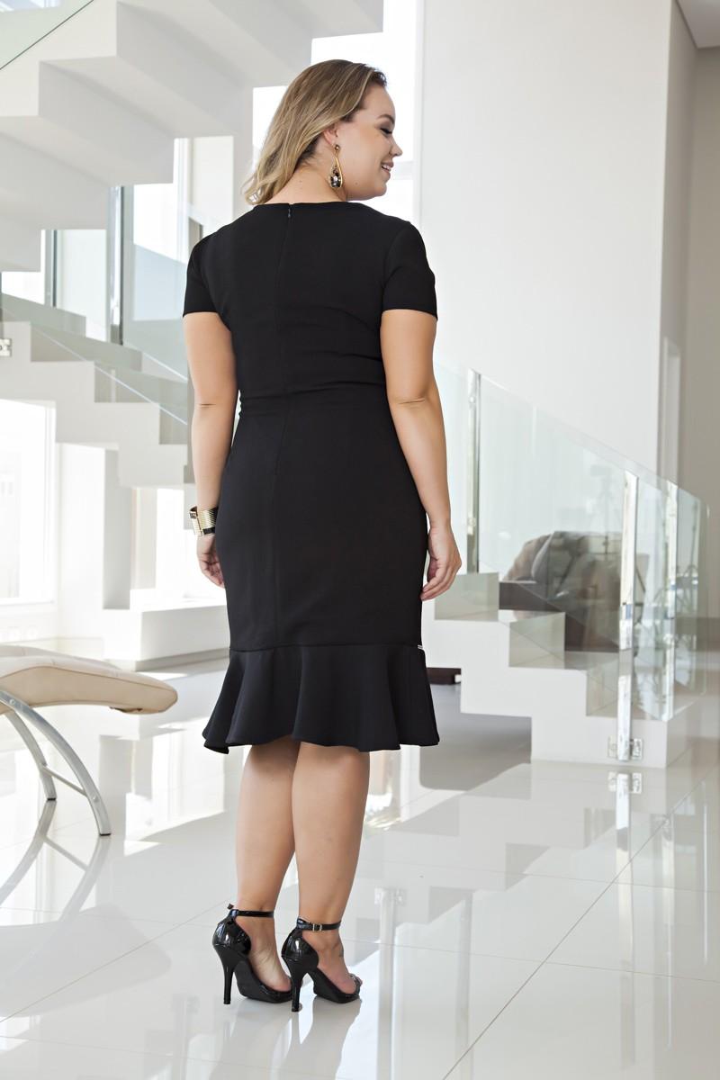 2093- Vest: plus size em crepe c/ forro e frente em renda