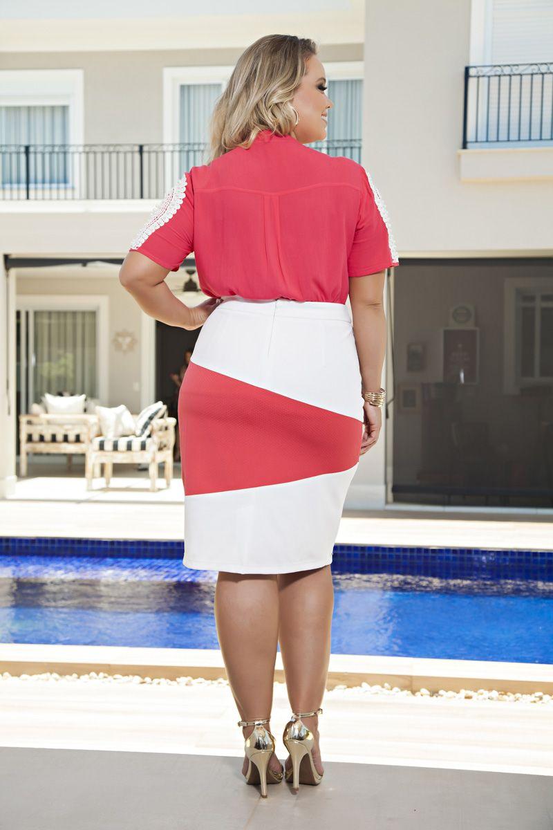 2151- Conj: Plus Size camisa em viscose c/ det. guipier e saia em piquet 2 cores c/ forro