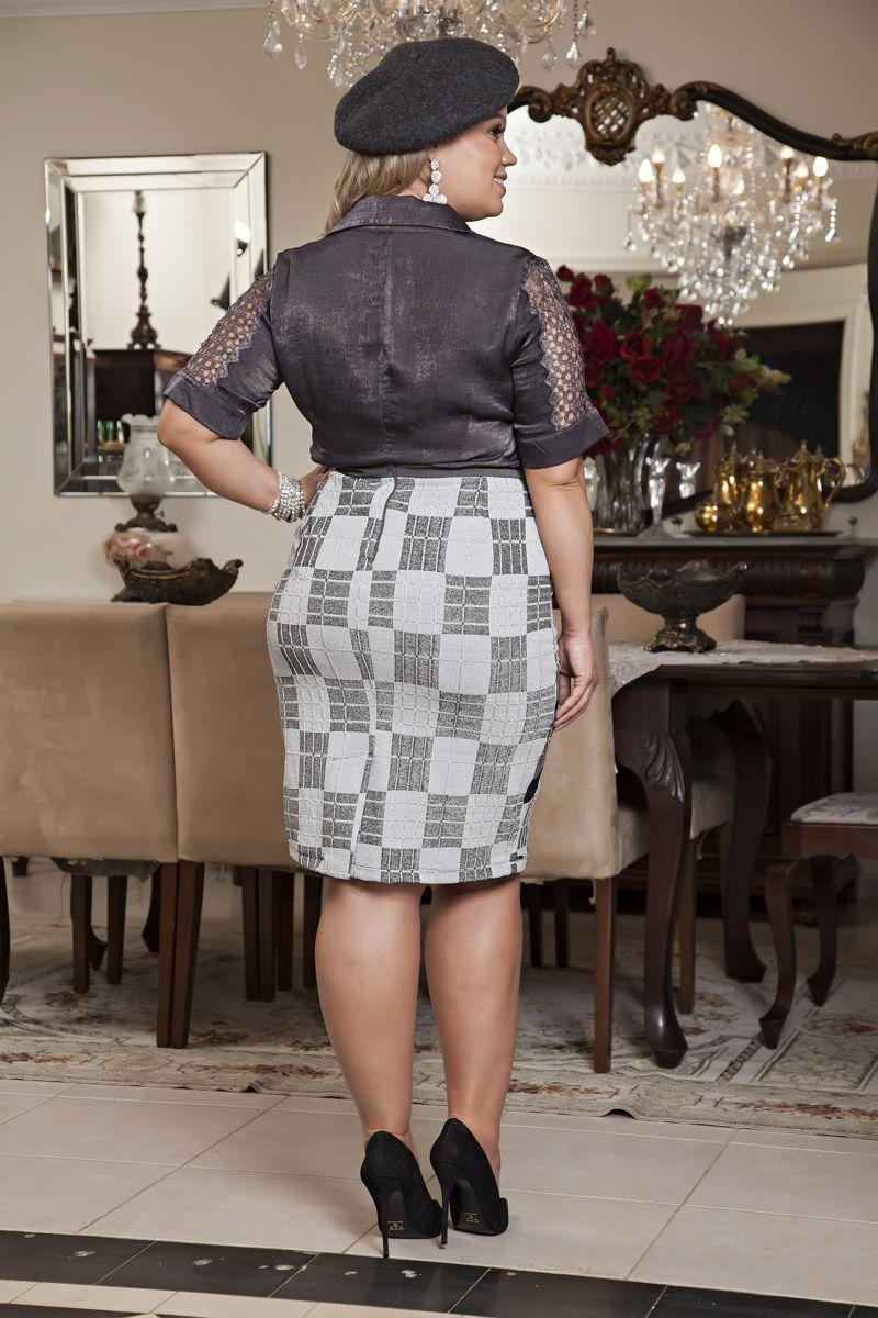2186- Conj: plus size camisa em vintage c/ det. renda e saia em malha lurex estampada c/ forro