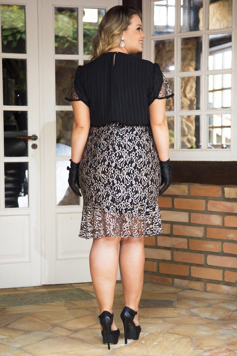 2225- Conj: plus size blusa em chiffon det. renda e saia em renda c/ forro