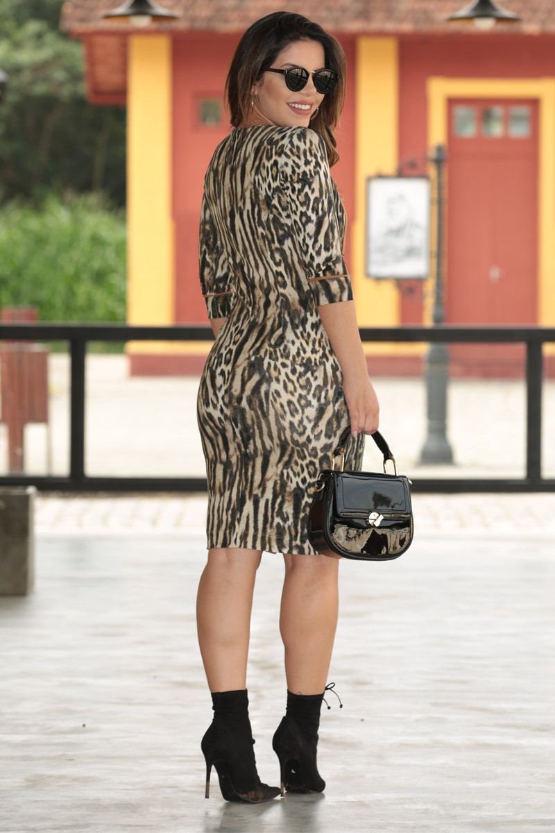 2544 - Vestido em malha animal print c/ forro det. fita galão