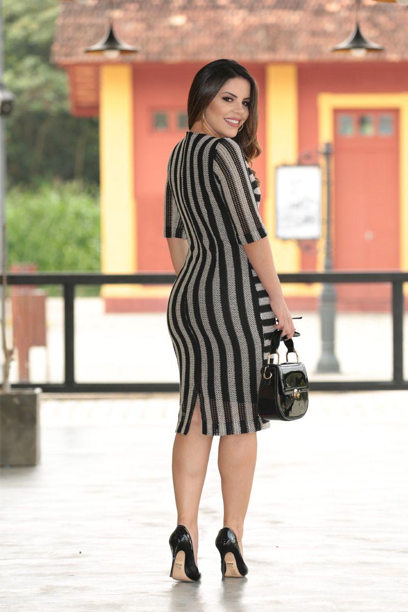 2552 - Vestido em renda tricot listrado c/ forro det. couro