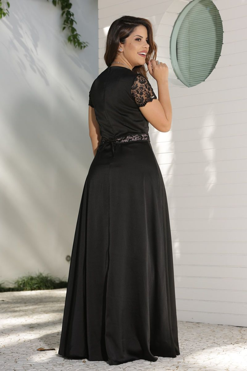 2598 - Vestido longo em crepe cetim com detalhes em renda