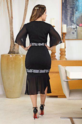 2611 - Vestido em Bandagem Rayon forrado, com detalhes em forro branco
