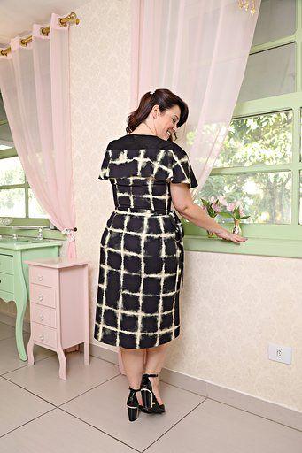 2628 - Vestido Plus Size em crepe com strech forrado e com estampa exclusiva Tie Dye