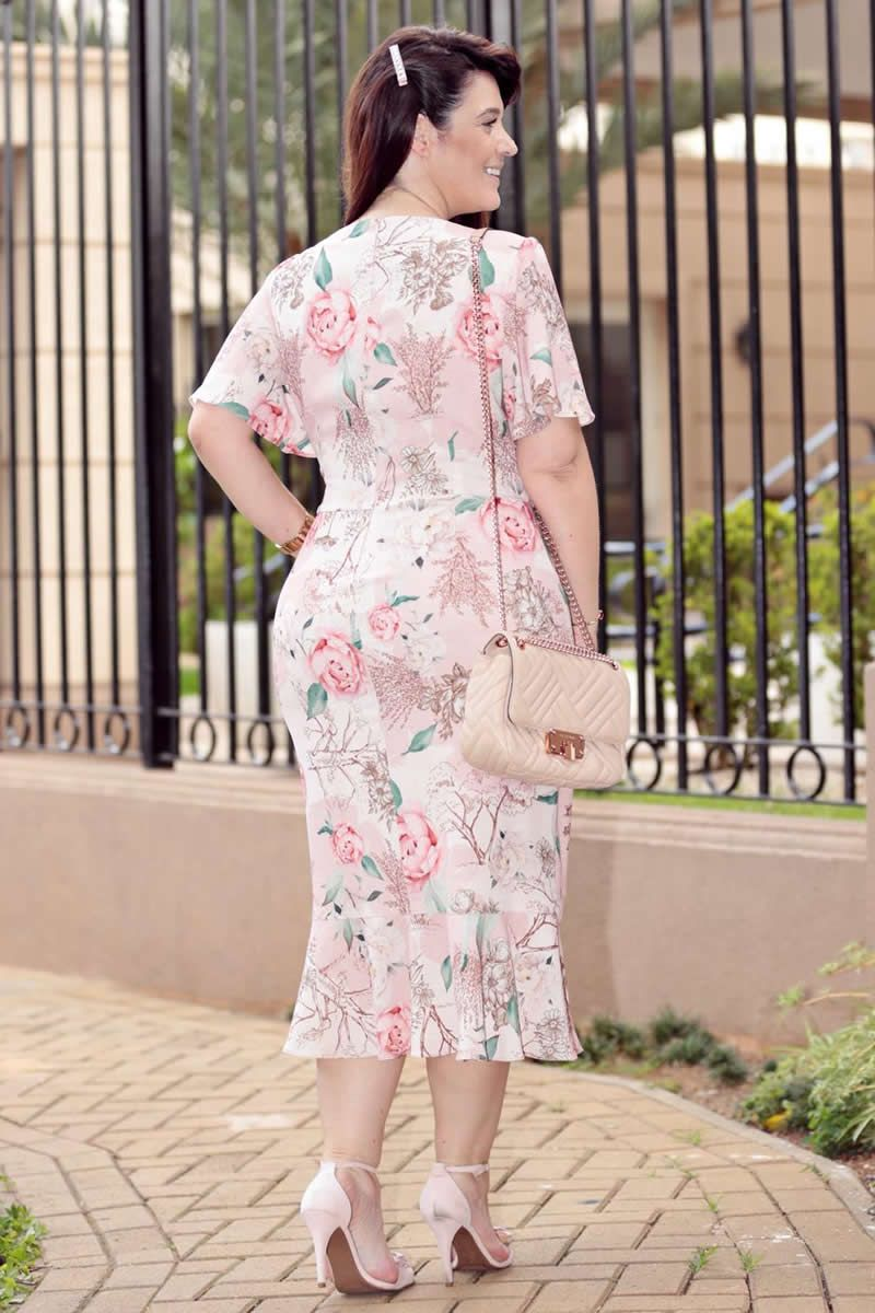 2733 - Vestido Plus Size em crepe elastic com estampa exclusiva da Kauly e detalhes em tule (PRODUTO NA PROMOÇÃO NÃO TEM DESCONTO NO PAGAMENTO A VISTA)