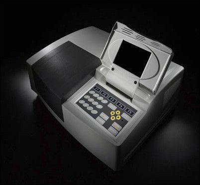 Espectrofotômetro automático duplo feixe para leituras na região do ultravioleta/visível, com visor gráfico, apresenta um intervalo de comprimento de onda de 190 a 1100 nm.Modelo T80+SW