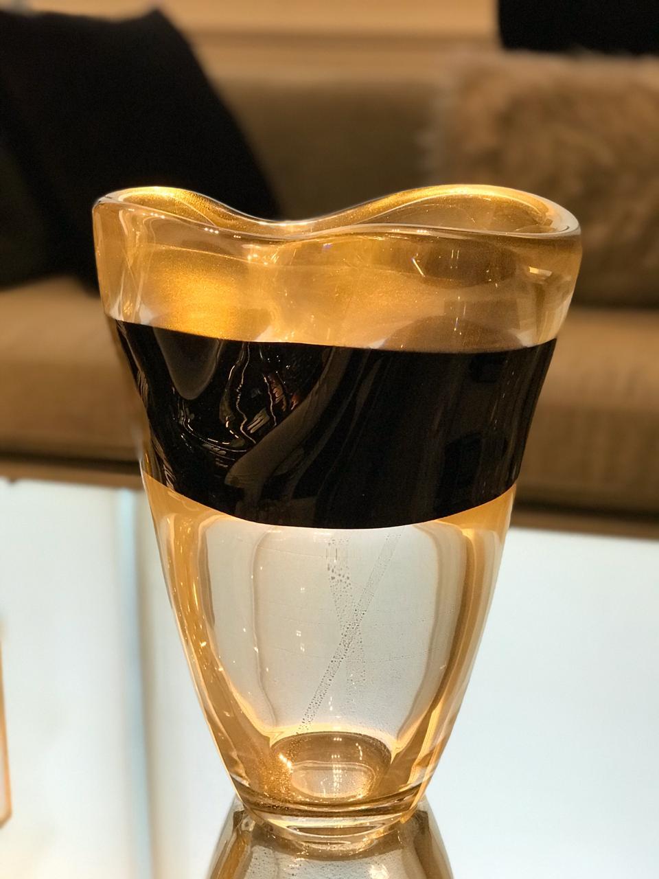 Vaso Listra - Transp. Faixa Preta com Ouro - M