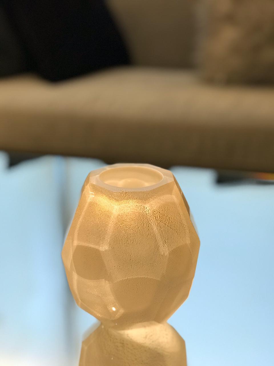 Vaso Tortura Lapidado - Branco com Ouro PP