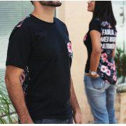 Kit -  Camiseta floral masculina e feminina