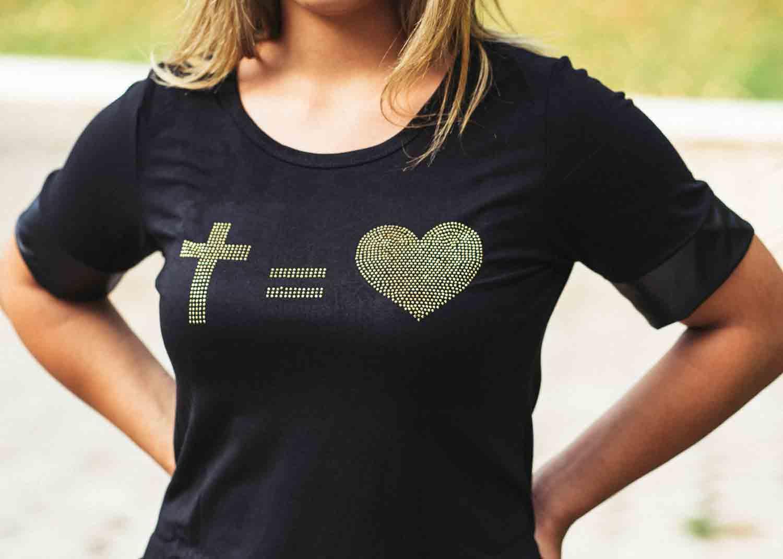 Bata preta cruz - coração dourado  - Loja Amo Família