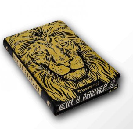 Bíblia - Leão Dourada Jesus Copy  - Loja Amo Família