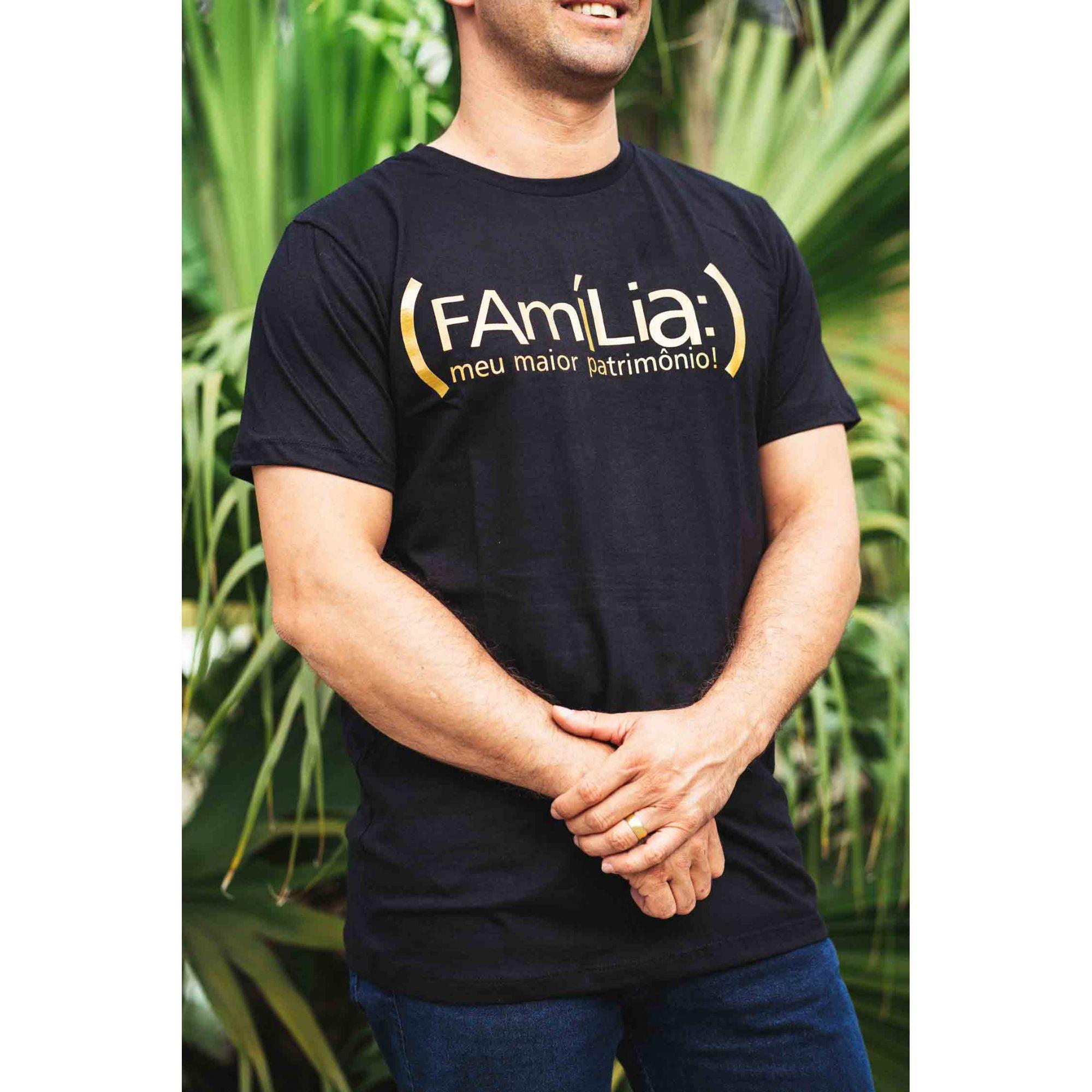 Camiseta - Família Meu Patrimônio Preta e Dourada  - Loja Amo Família
