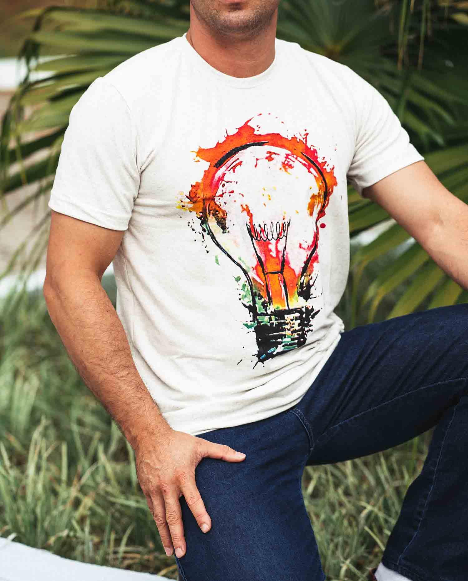 Camiseta masculina - lâmpada  - Loja Amo Família