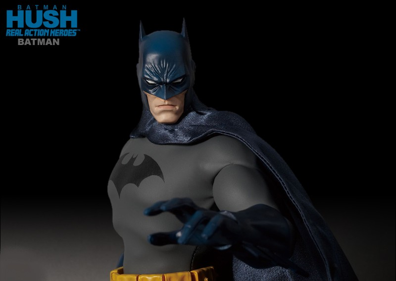 Batman Hush Escala 1/6 Real Action - Medicom