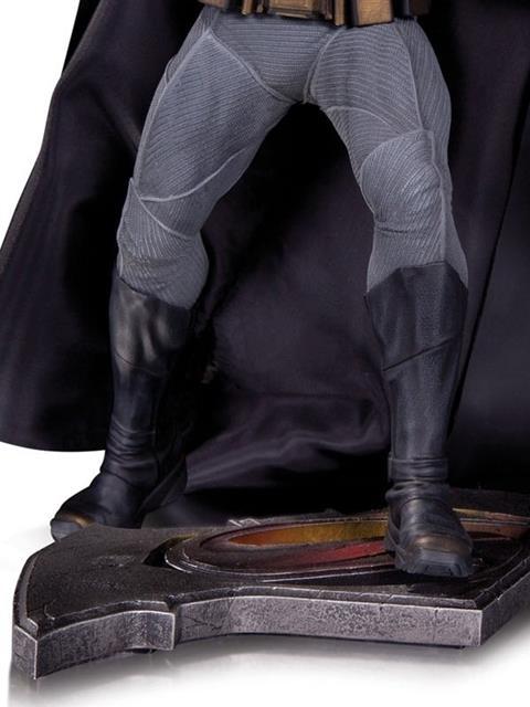 EM BREVE: Estátua Batman: Batman Vs Superman: A Origem da Justiça - DC Collectibles