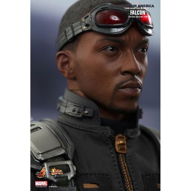 Capitão América: The Winter Soldier: Falcon (Falcão) Escala 1/6 - Hot Toys