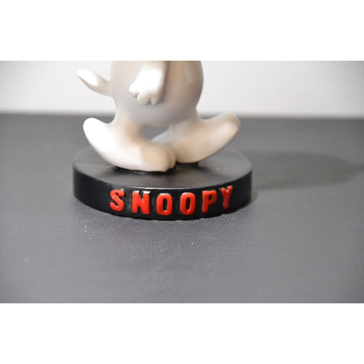 Estatueta Peanuts Snoopy  - Toyshow Colecionáveis