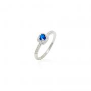 Anel Solitário Pedra Azul Quadrada Com Zircônias Prata 925